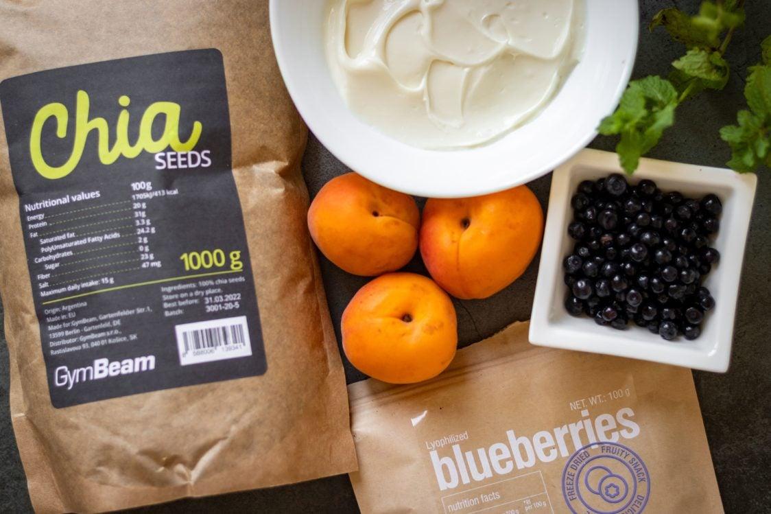 Ingredienti per budino al formaggio con semi di chia