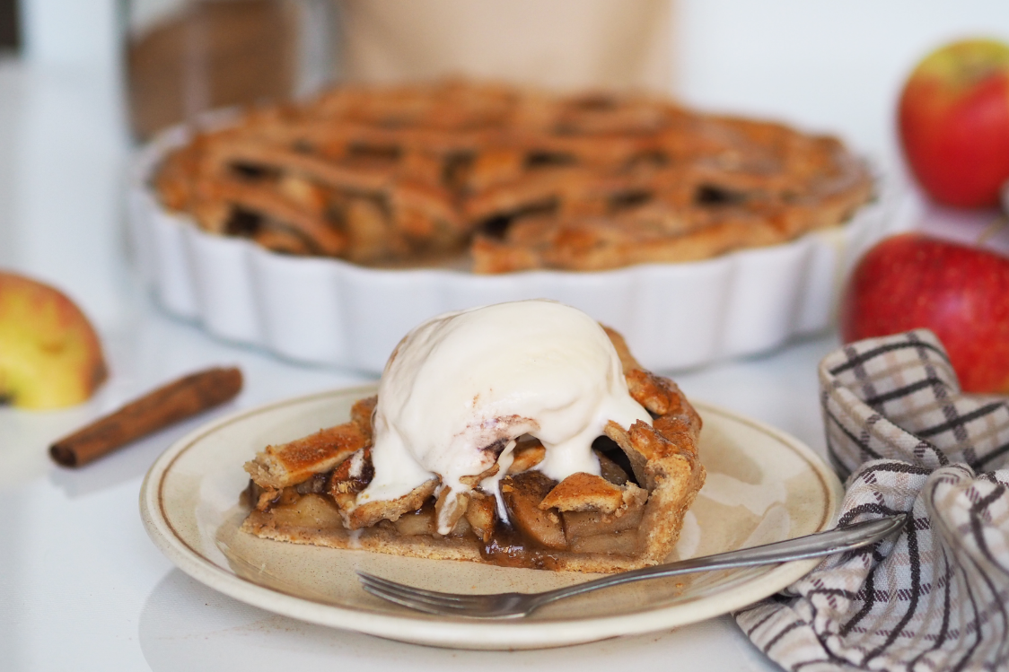 Fitness Recipe: Soft Apple Pie with the Scent of Cinnamon