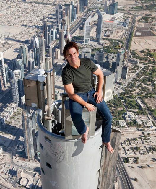 Tom Cruise a Burj Khalifa tetején