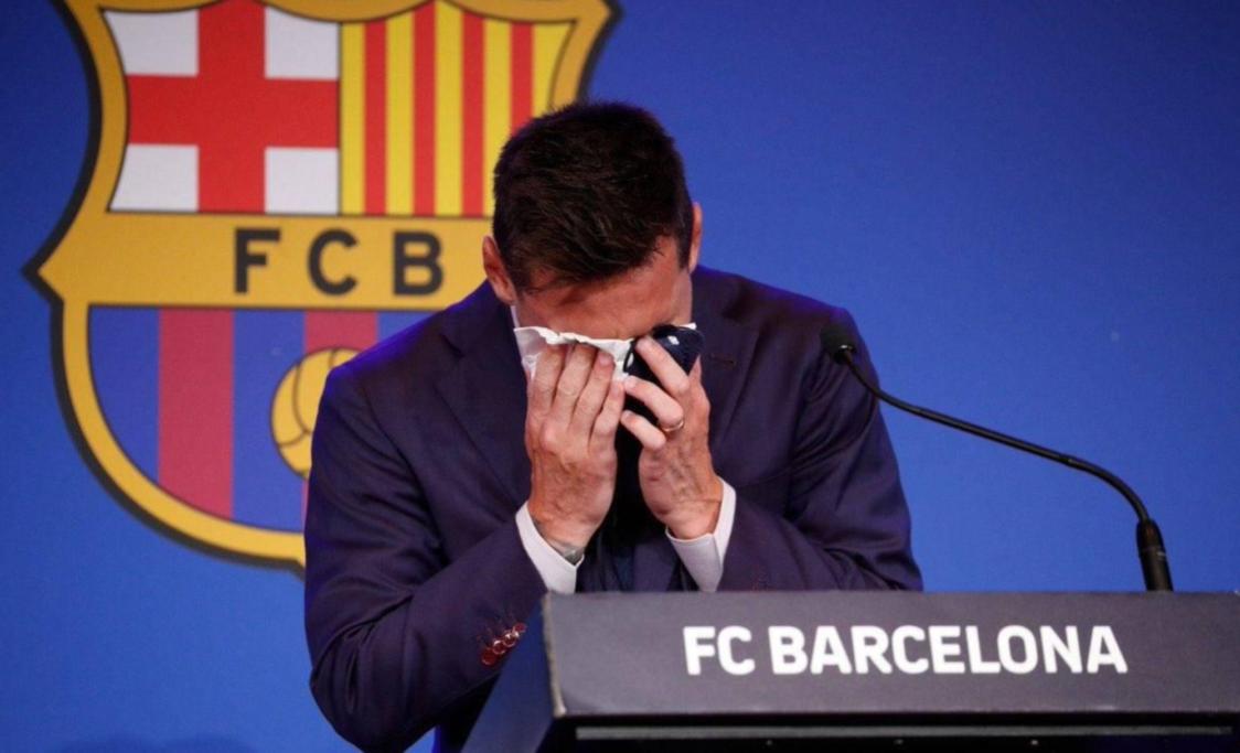 Messi își anunță plecarea de la FC Barcelona cu lacrimi în ochi