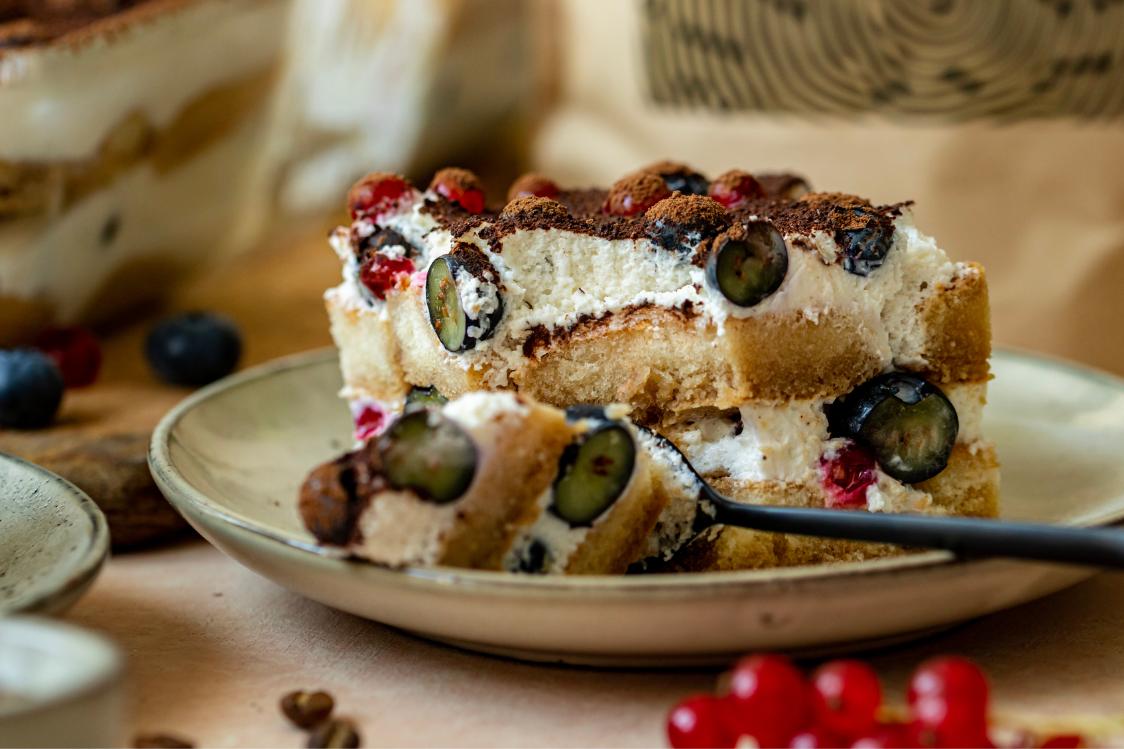 Fitness Recipe: Tiramisu with Delicate Cream & Berries