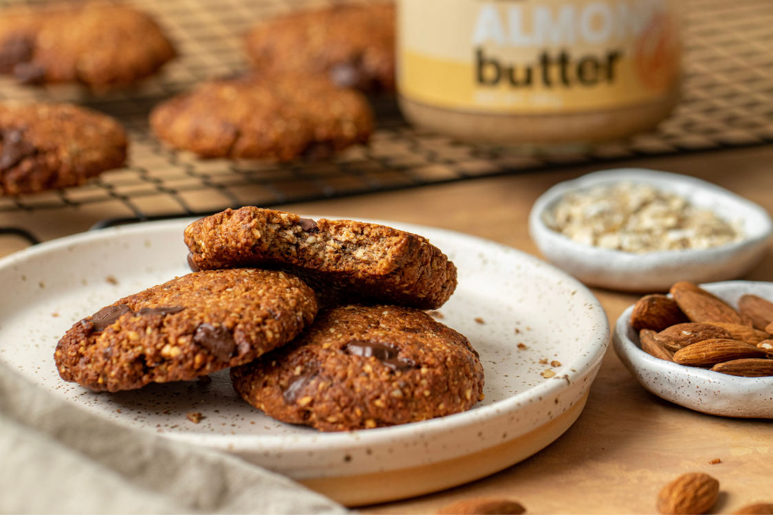 Fitness Recipe: Vegan Almond Biscuits with Chocolate Bits