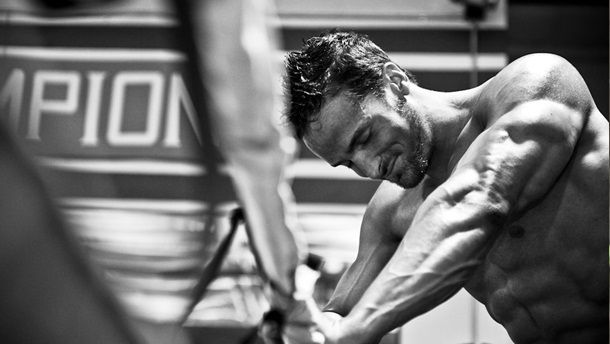 fitness rukavice arnold gymbeam