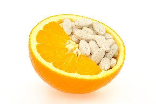 vitamín c prírodný umelý