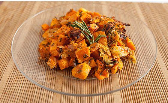 Opekané sladké zemiaky s parmezánom a rozmarínom recept