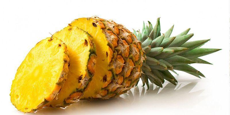 7 potravín, ktoré redukujú bolesti svalov po tréningu ananás