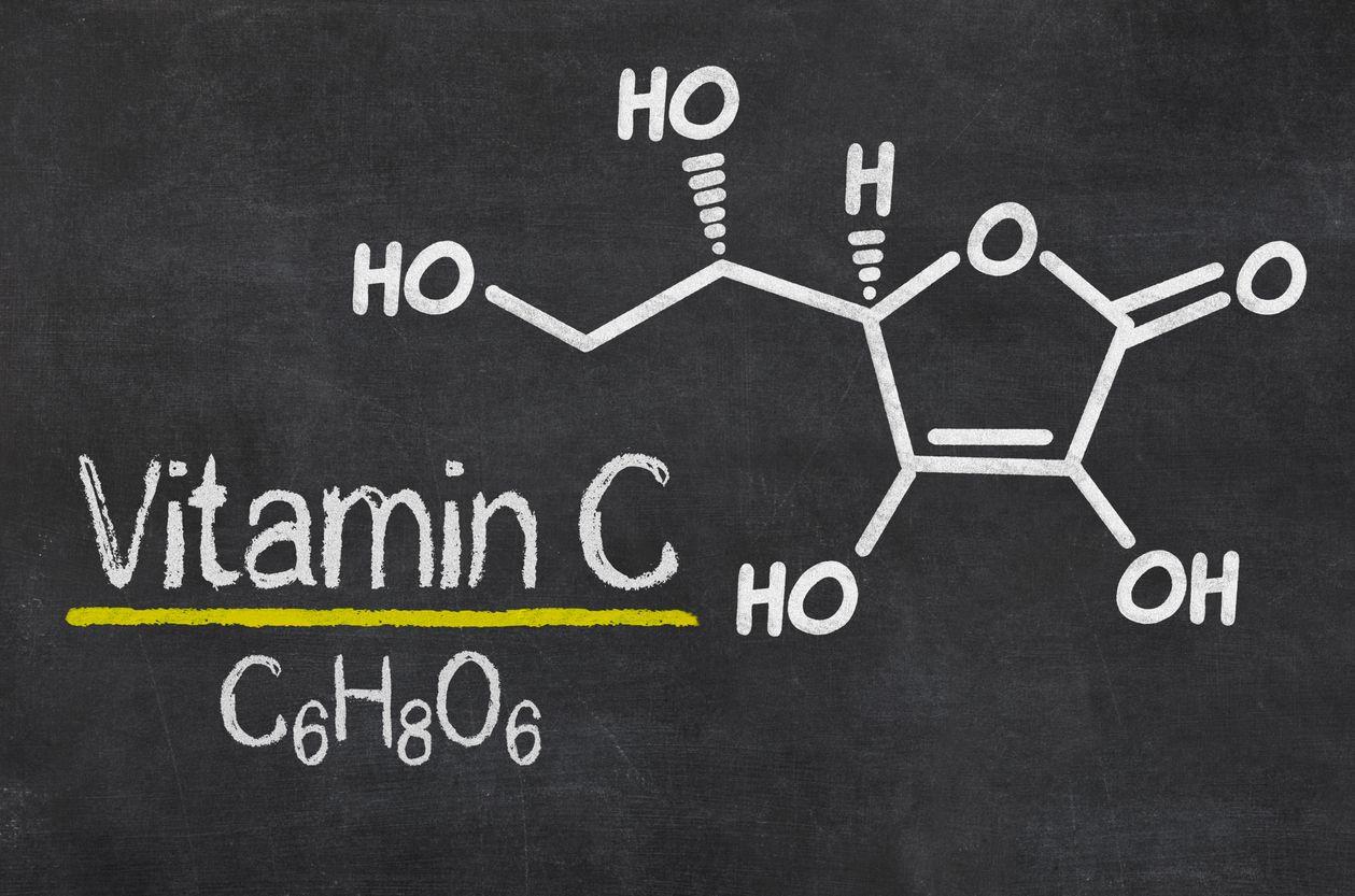 vitamín C příznaky nedostatku