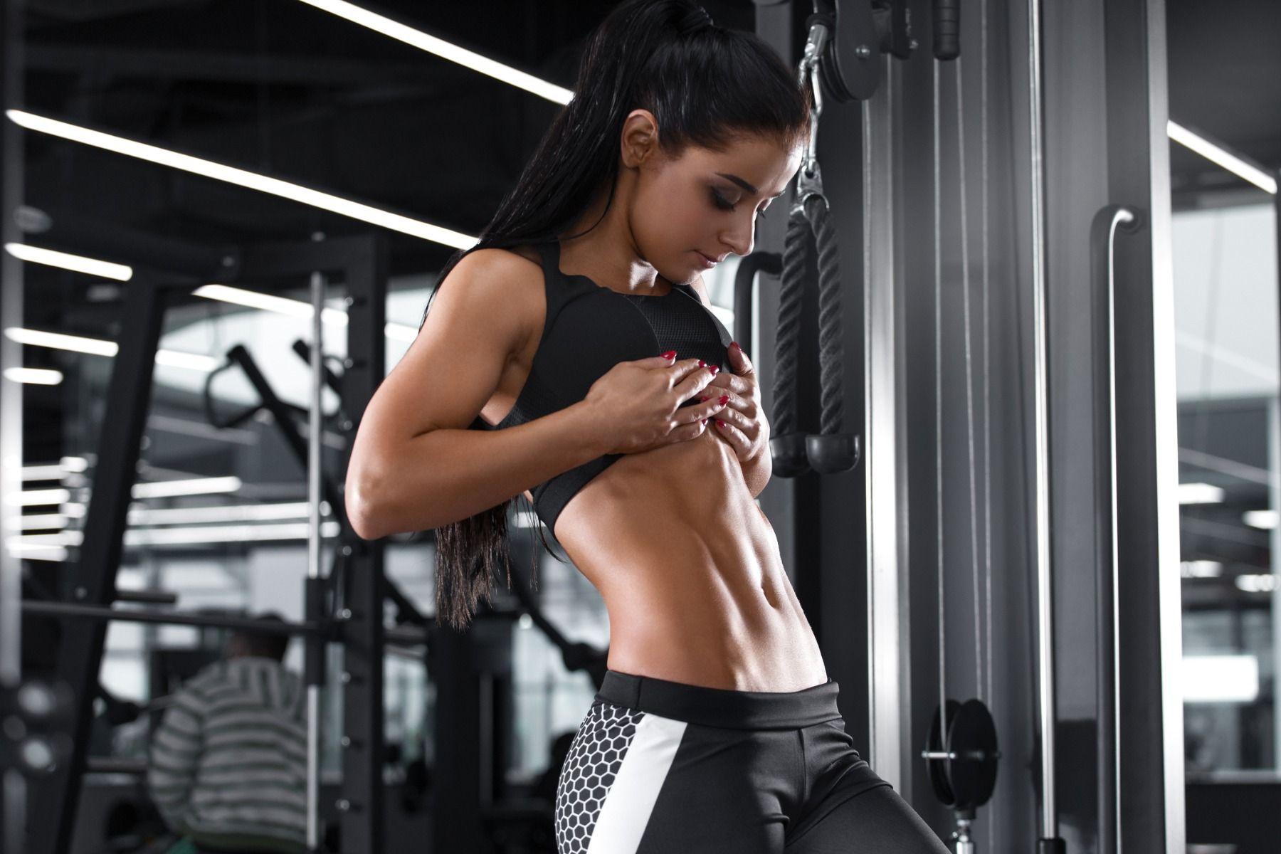 8 základných cvikov, vďaka ktorým si vyrysujete svalstvo
