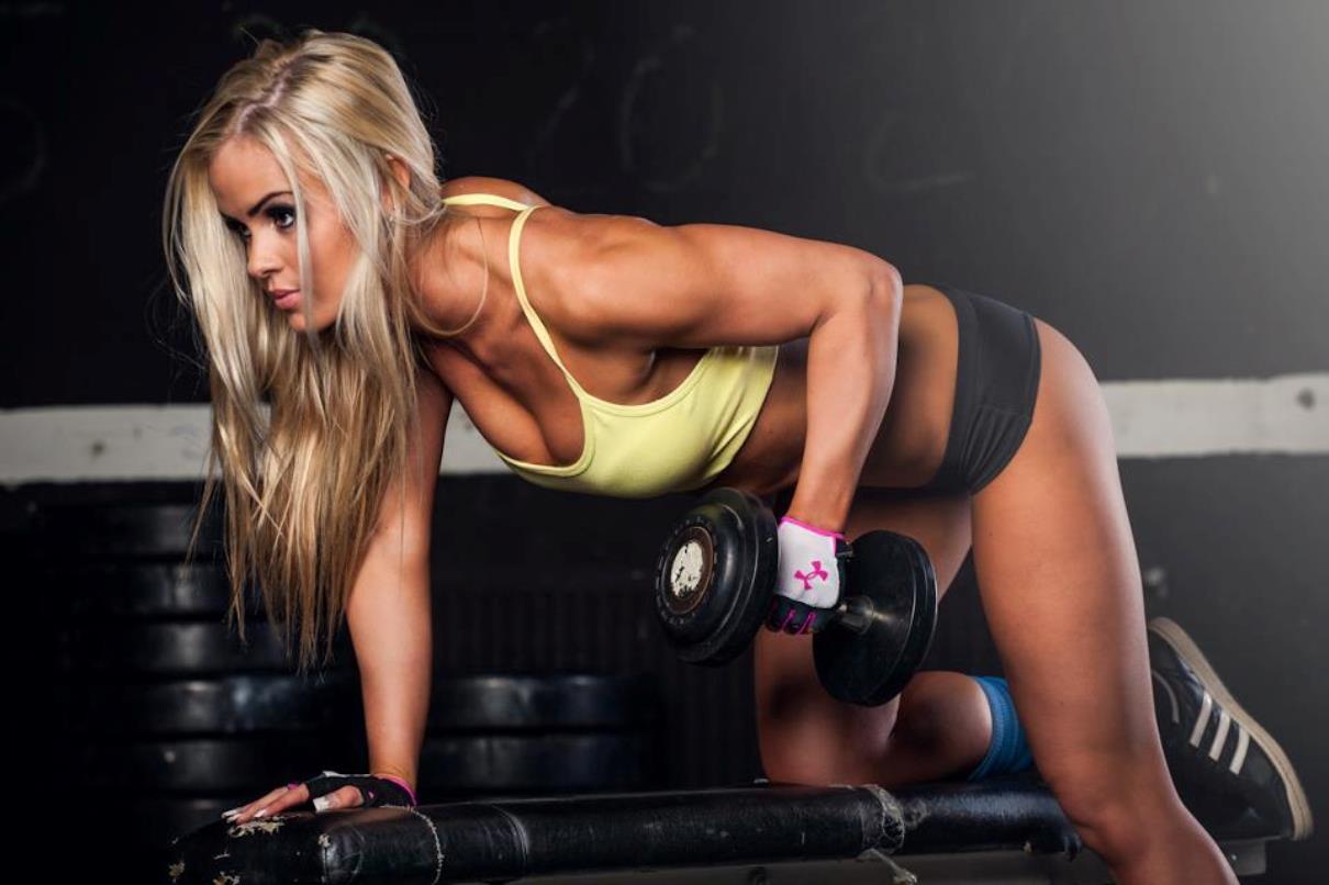 6 mýtov o ženskom fitness. posilňovanie ženy
