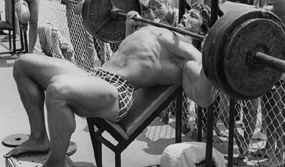 Arnold Schwarzenegger radí: 31 rád na každú svalovú partiu tipy