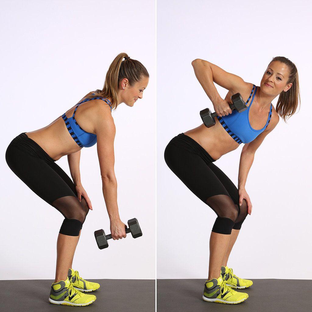 cviky na ploché brucho: Jednoručné priťahovanie činky v podrepe k trupu