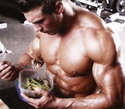 čo jesť pred tréningom a po tréningu