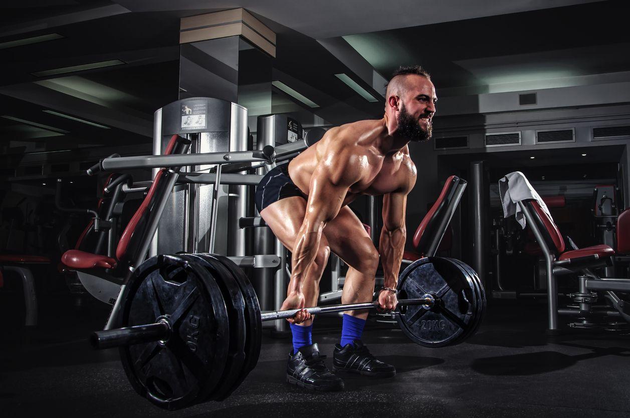 6 najväčších chýb pri silovom tréningu - sústredíte sa na sval namiesto pohybu