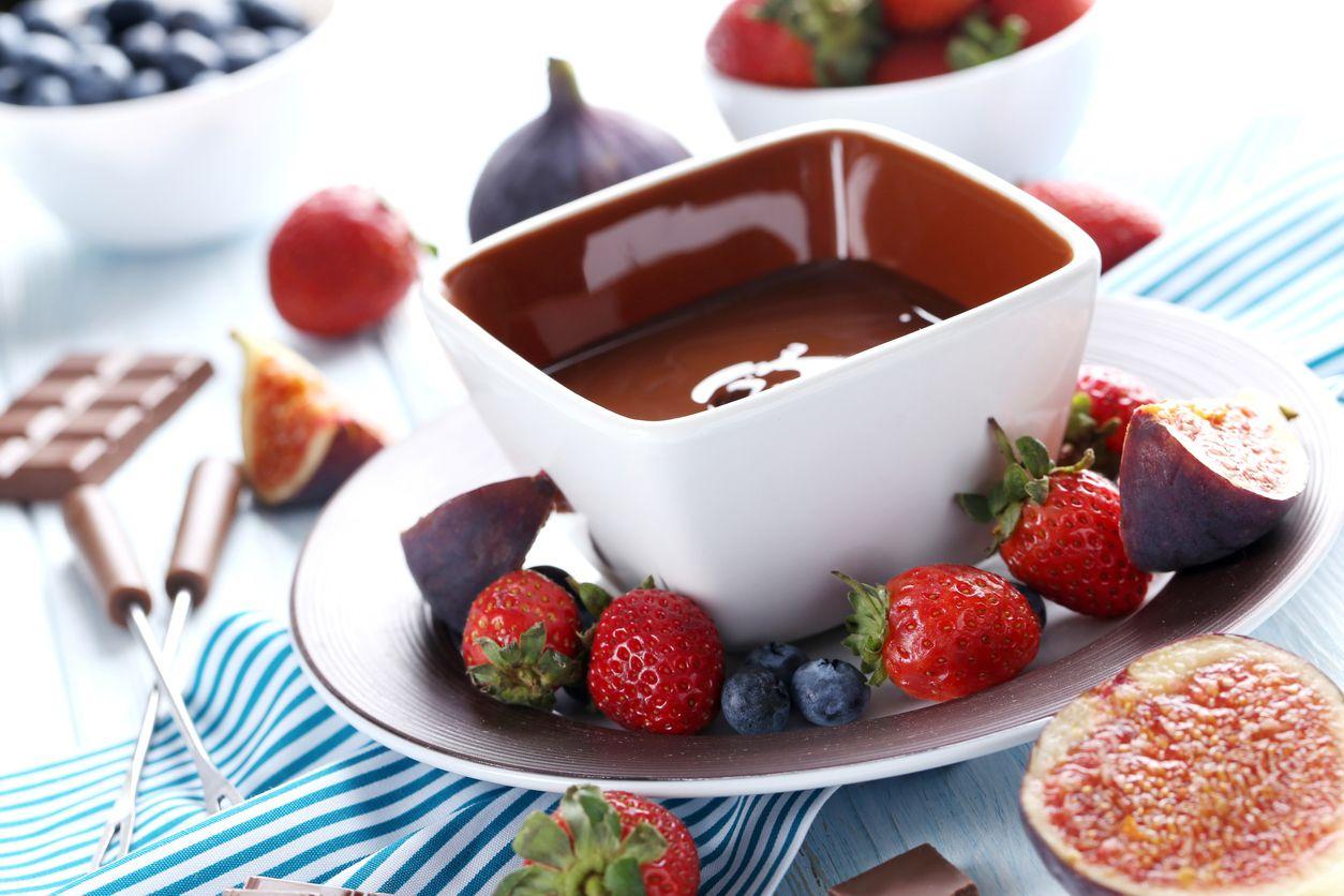 7 výživných olovrantov, ktoré môžete mať vždy po ruke, figy s tmavou čokoládou