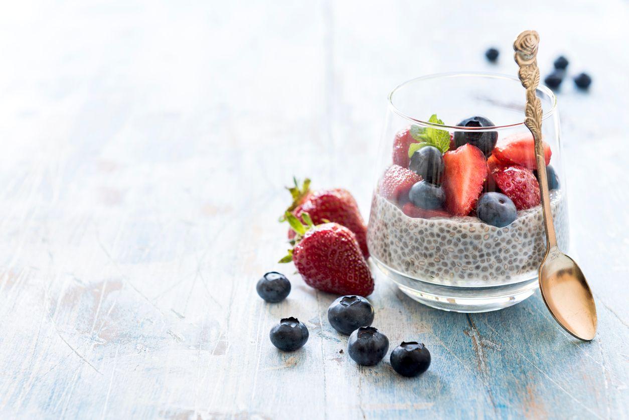 vegánsky chia puding s lesným ovocím recept