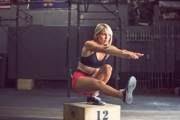 8 vecí, ktoré by ste nemali robiť v posilňovni: nikdy si nesadajte počas tréningu nôh