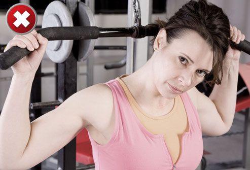 15 najzbytočnejších cvikov stahovanie kladky nad hlavou