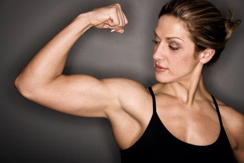 9 problémov fitness žien : holenie podpazušia