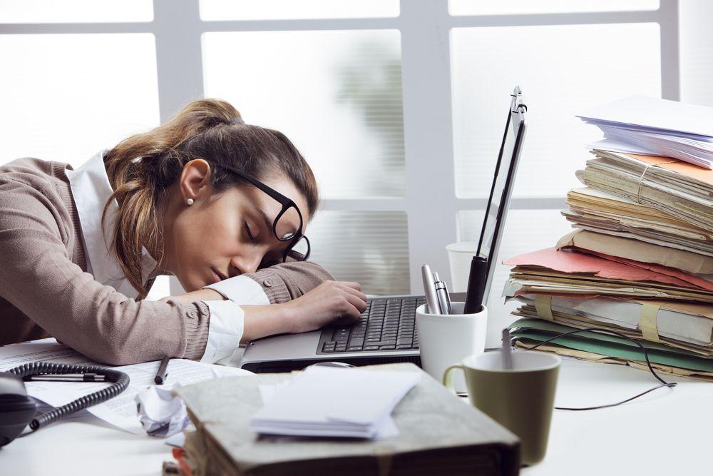 signály nedostatku proteínu, únava